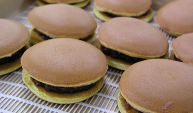 This recipe makes about 4 to 5 dorayaki cakes