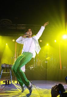 Picture of Mika by flickr user Alyson Hau