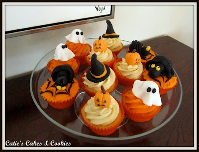 Chiacchiere... - Pagina 2 Halloween+cupcakes+blog+1