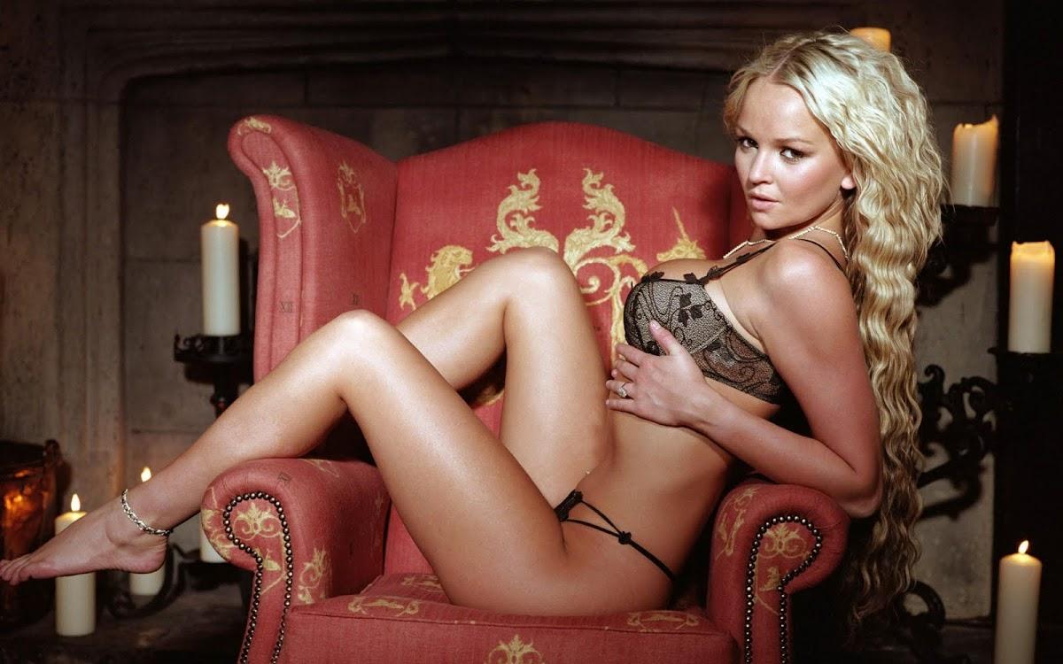 http://4.bp.blogspot.com/_wMrkOEs6EdQ/TJS5k70C7PI/AAAAAAAAAtY/X4yUyk3rdcs/s1200/Jennifer_Ellison_3.jpg