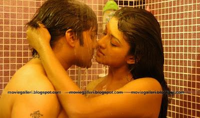 Bathroom Kissing Images