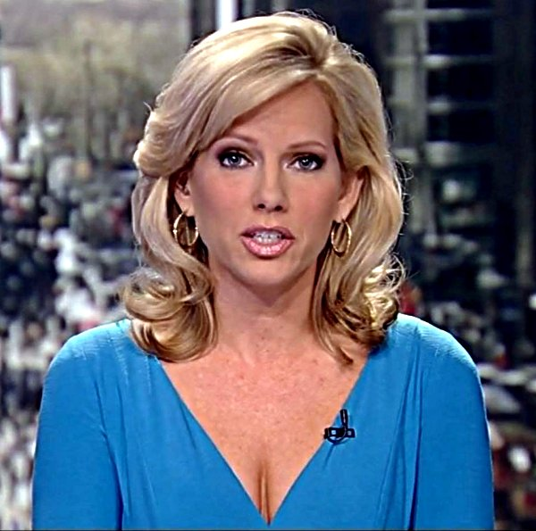 Shannon Bream Cleavage http://sexynewsbabes.blogspot.com/2010_11_01_archive.html