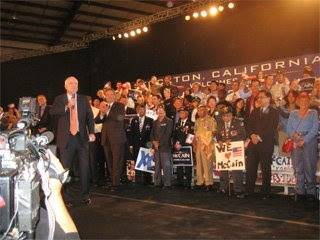 Pres Candidate McCain & FilVets (22 May 2008, photo courtesy of Rudy Asercion)