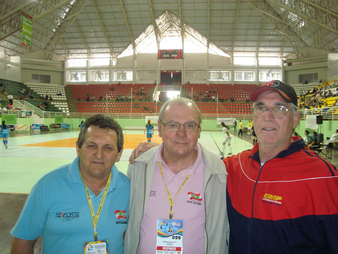 Futsal Coach Paulista met up with old friends at The Brusque JASC 2010