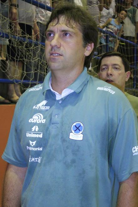 Fifa History Blog picks  Coach of the year 2010 : UnoChapeco Eder Popiolski.