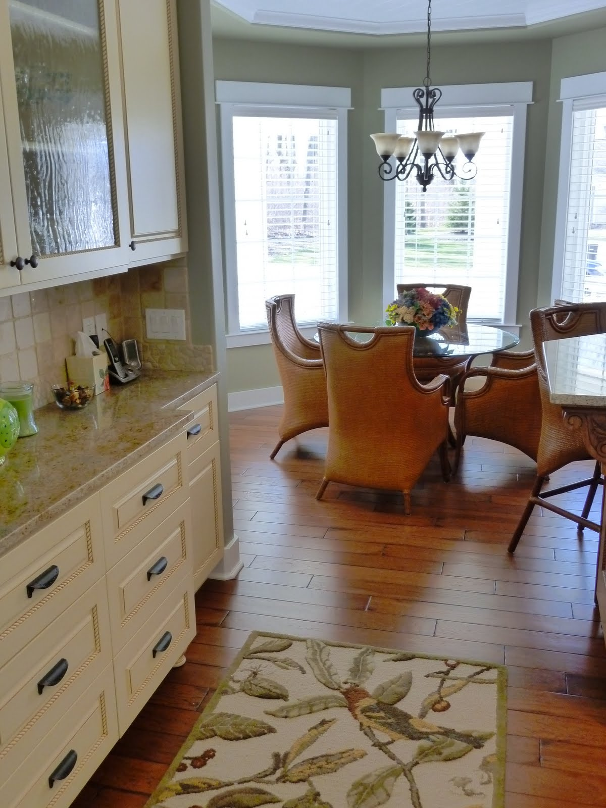 This is the look into the kitchen and dinette from the entry. I love