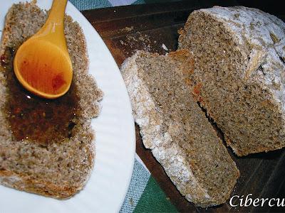 Pan de harina de trigo sarraceno y harina integral