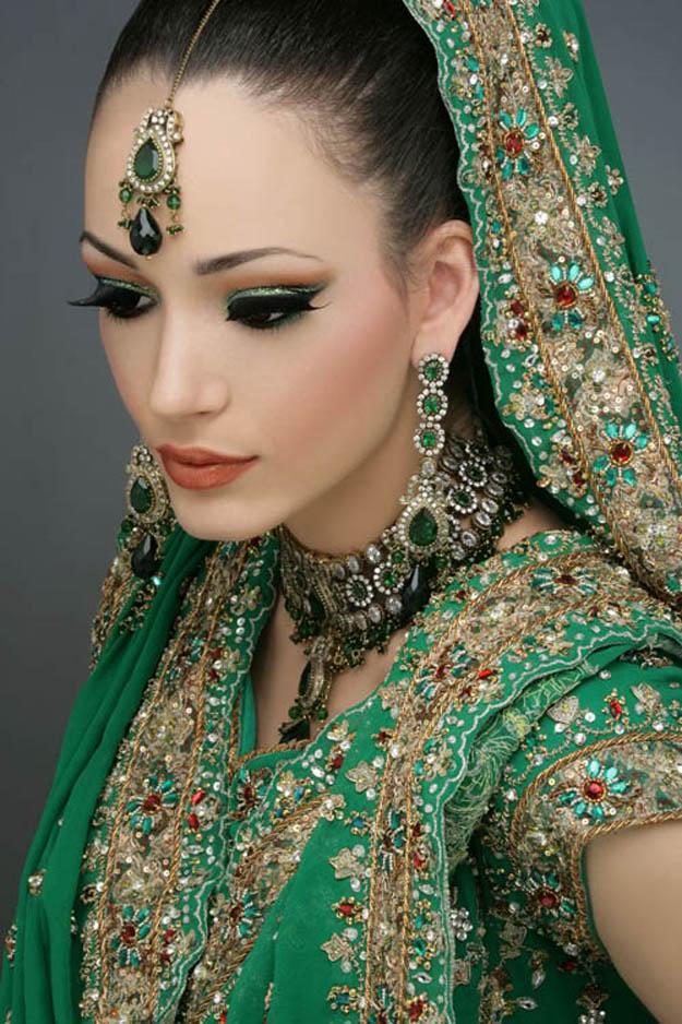 Makeup Monday with Receptionista: Indian Bridal Makeupstunning!