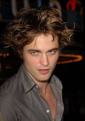 Wolf's&Vampire's&Coladoss - Portal Youlovecelebs-robert-pattinson-sex-drive-hair-11
