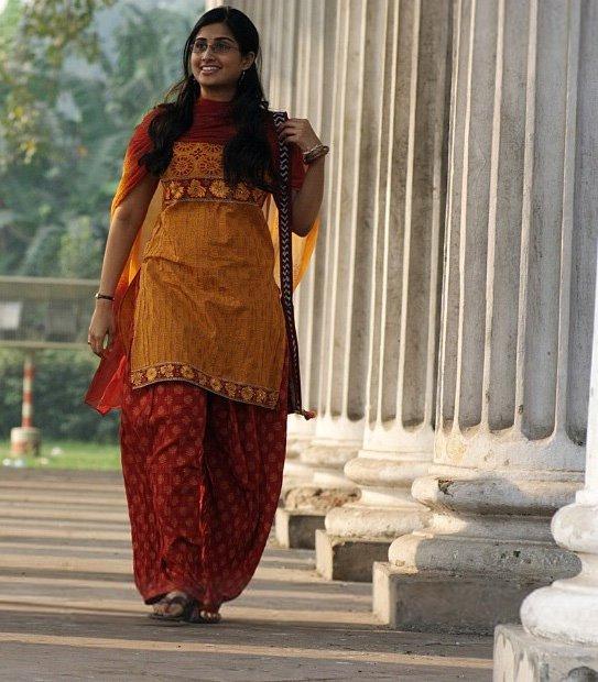 [Baby-Shamili-oye-Telugu-Movie-TamilpostersDotCom11.jpg]