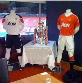 Man Utd new jersey AON