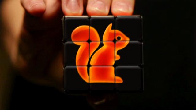 Un cubo de Rubik personalizado con la imagen de la Tarifa Ardilla