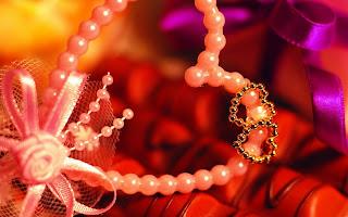 Love Jewelry Wallpaper