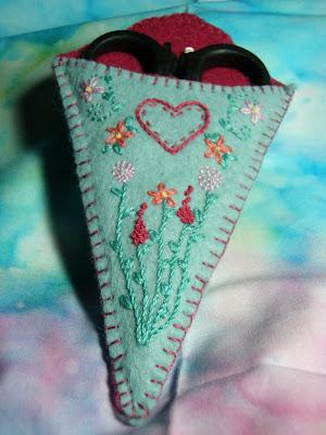 Sew Little Fabric By Paula Storm Free Felt Scissor Keeper Pattern