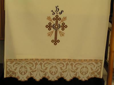 Evangelario bordado a deshilo