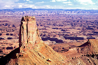 Canyonlands Overlook by L. Sessions