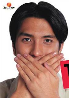http://4.bp.blogspot.com/_wawudllYLt4/SgmPlxwhdLI/AAAAAAAAAV4/VF1WAxUeUP0/s320/tutup+mulut.jpg