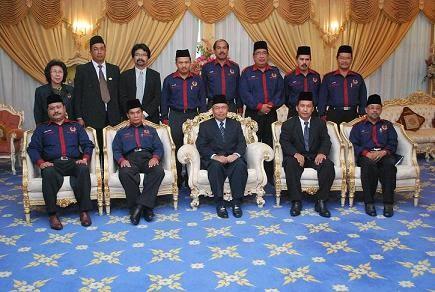 Kunjung Hormat Pegawai Utama CUEPACS kepada TYT Sabah, Tun Ahmadshah bin Abdullah di Istana Negeri