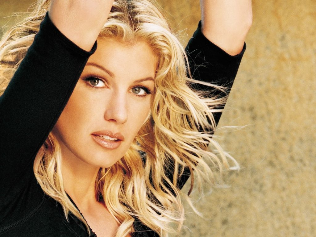 http://4.bp.blogspot.com/_wbwa1vp0yj8/R26Cc36gJPI/AAAAAAAAAZg/j7g6ldbZtCs/s1600/faith-hill-beautiful-face-19u.jpg