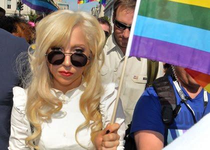 http://4.bp.blogspot.com/_wc92GPObaOQ/TBPVJUZdQMI/AAAAAAAAAVs/f3GlcYEcL-I/s1600/lady-gaga-gay-rights.jpg