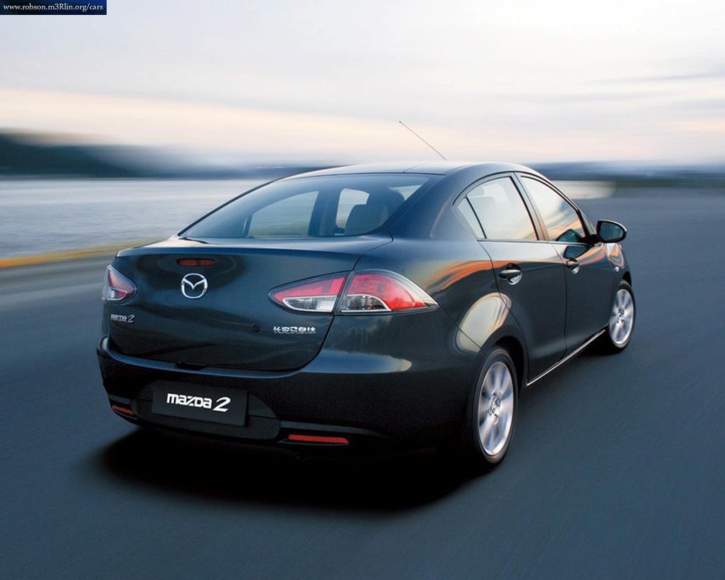 Mazda2 versi sedan pada
