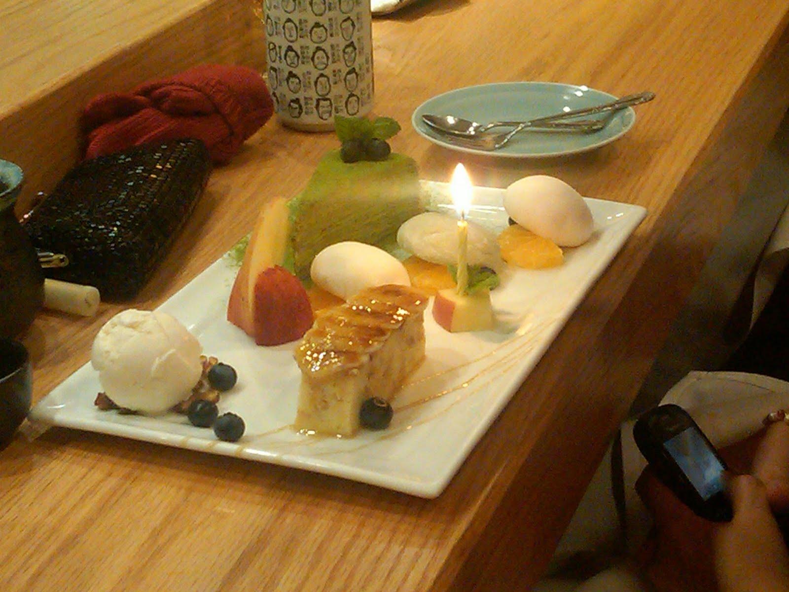 http://4.bp.blogspot.com/_wdB1oooXk-c/TOmsVxp1pLI/AAAAAAAAAng/gUXb3Kq3Gx8/s1600/Sushi%252Bof%252BGari%252Bbirthday%252Bdessert.jpg