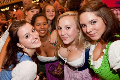 oktoberfest girls