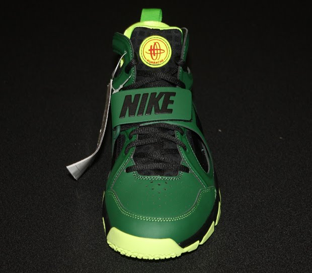 These are the new upgraded Nike Huarache Trainers, the runner of Beaverton,  Oregon in Nike worked with Larry Fitzgerald of the Arizona Cardinals.