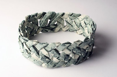 Wonderful Jewelery art of different countries Banknote Seen On www.coolpicturegallery.net