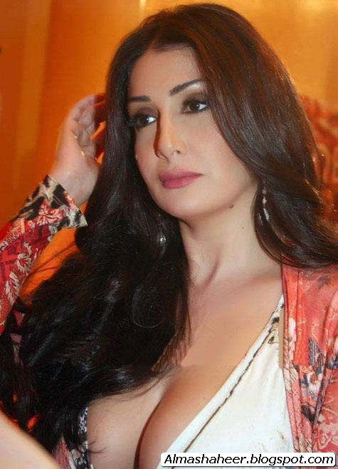 بزاز شرين عبد الوهاب http://almashaheer.blogspot.com/2011/01/blog-post_17.html