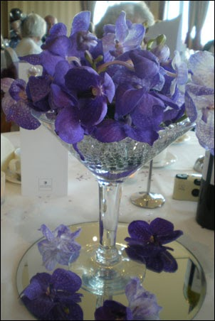 Vestido de novia centro de mesa con espejo for Mesa espejo