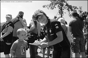 Signing autograph in Assen