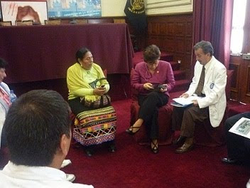 Congresista María Sumire se reunió con los dirigentes de la Federación Médica