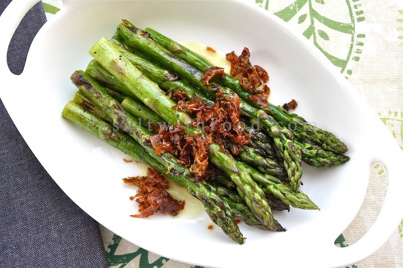Grilled Asparagus With Lemon Vinaigrette