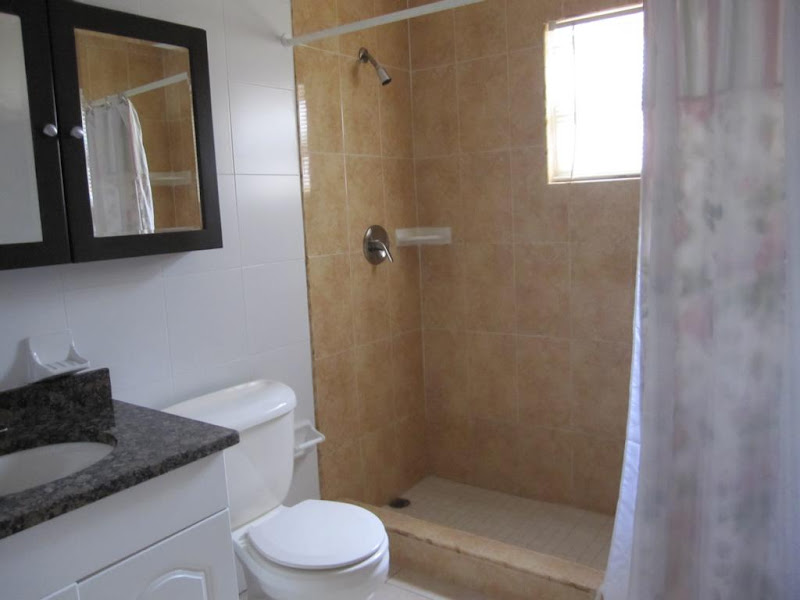 One Bedroom for sale, Grand Cayman Reduced $138,000.CI title=