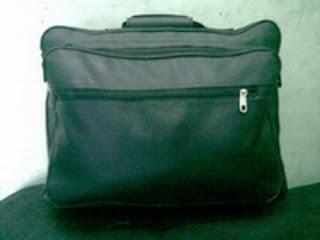 tas kantor hitam kecil