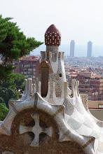 Desde el Carmelo, dentro del Parque Guell, la amanita que debió tomar Gaudí y las Torres Gemelas