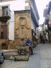 En la fuente de la antigua villa de Albaranes