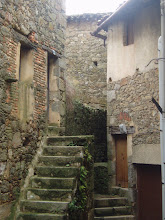 Calles que llegan al final de alguna escalera