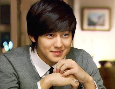 """تقرير عن الممثل """" kim bum Kim_sang_bum_smile-200906010600213"""
