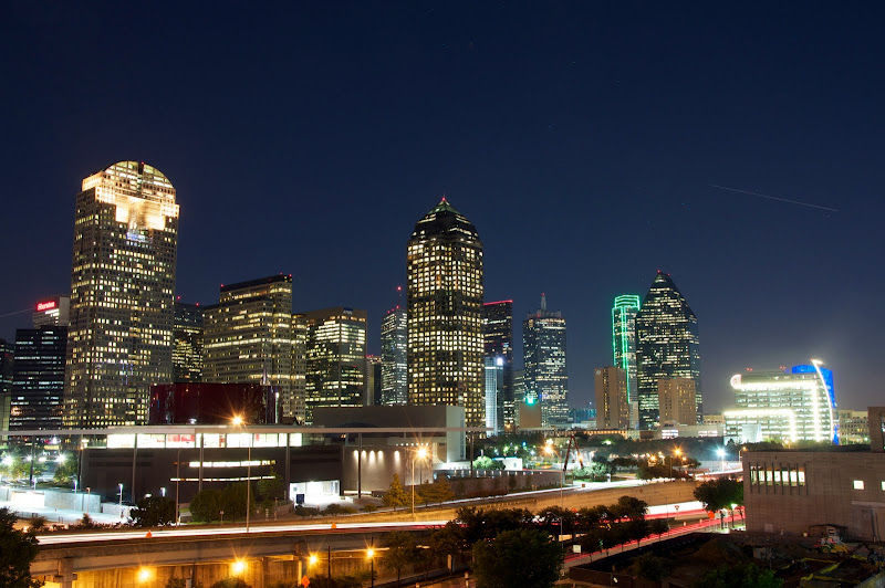 Photo of Dallas skyline at night