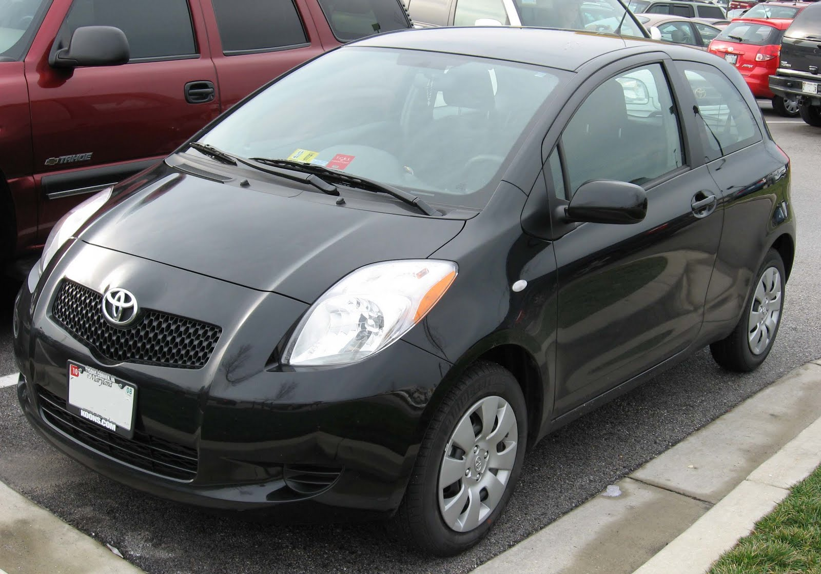 Toyota Yaris or Toyota Vitz is a small hatchback car produced by -4.bp.blogspot.com