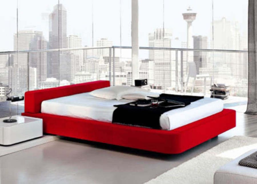 Red bedroom bedroom decorating simple ideas for a for Bedroom ideas red