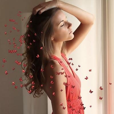mujer mariposas amor