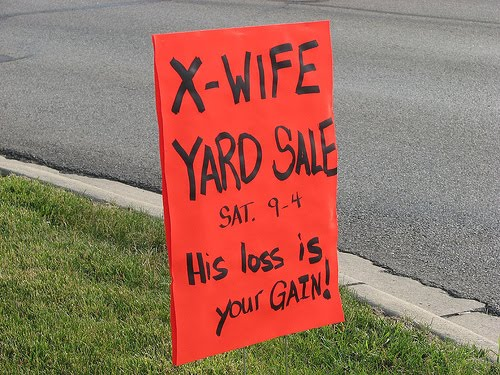 Junkster chic funny yardsale signs for Furniture yard sale near me
