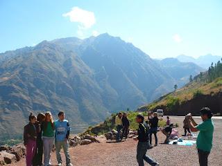 Tourists at Mirador Taray