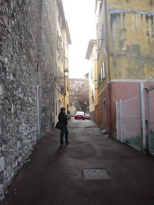 Voyage à Nice ou le cube de lillusion