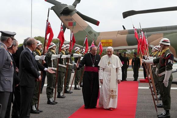 Santo Padre Bento XVI a chegar a Fátima.