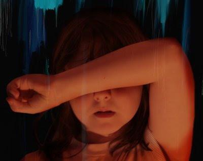 Detalle de la porta de 'Barriers', el álbum de pandoras.box