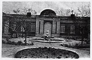 Jardín posterior de la Casita del Príncipe a comienzos del siglo XX